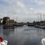 Hafeneinfahrt mit Hafenmeisterei