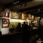 Die Bar mit den verbliebenen Bildern